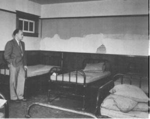 Dr. Le Vann in a patient room